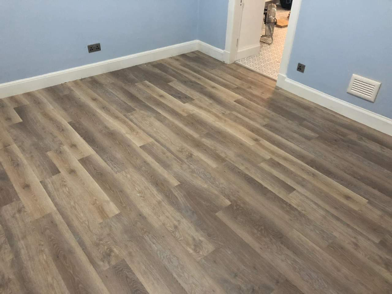 Light wood floor tiles